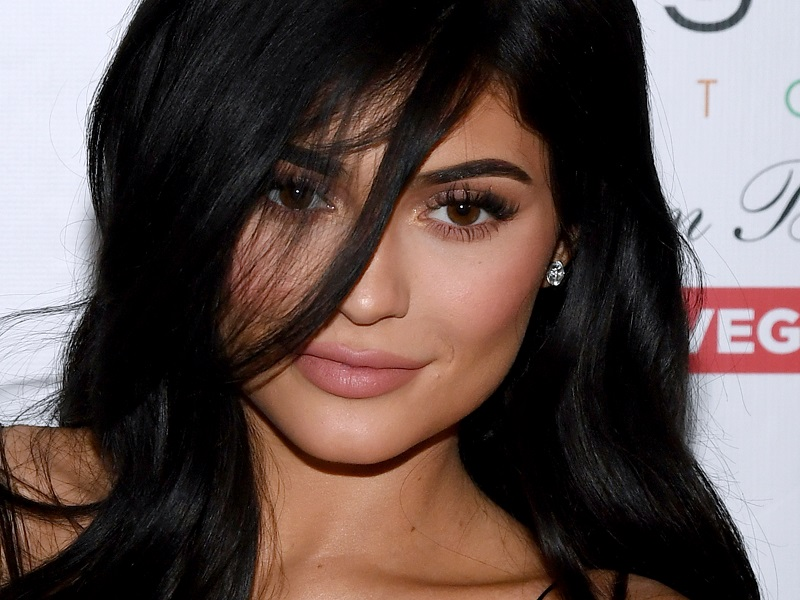Kylie Jenner Just Cut Off All Her Hair Again