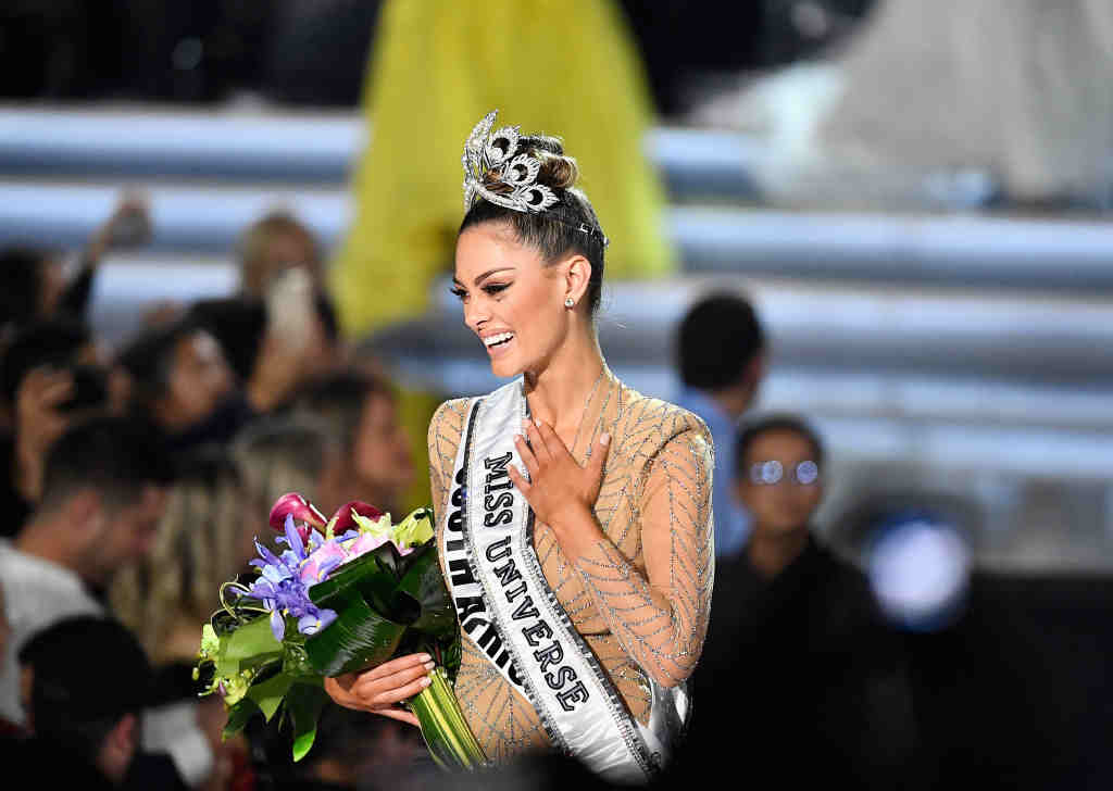 Miss South Africa crowned Miss Universe, SA split