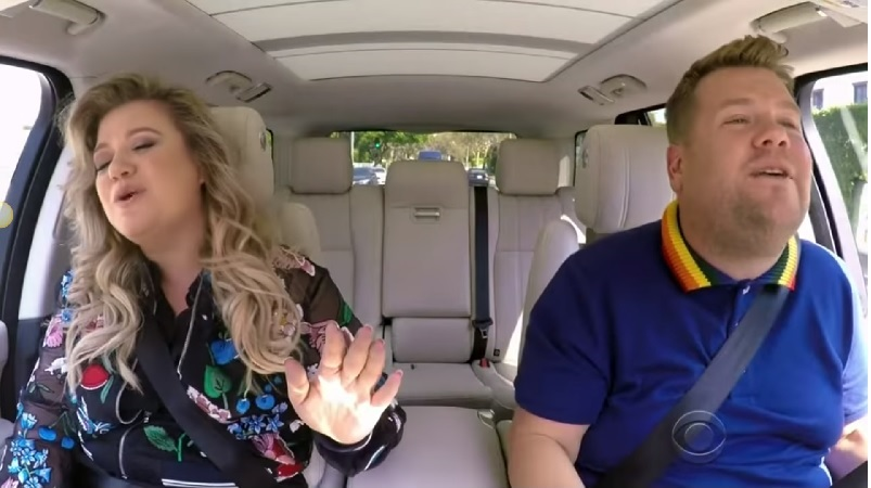 Kelly Clarkson Turns 'Carpool Karaoke' Into Romantic Date Night with Husband