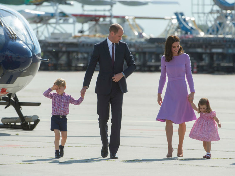 Everyone has noticed an error on William and Kate's card