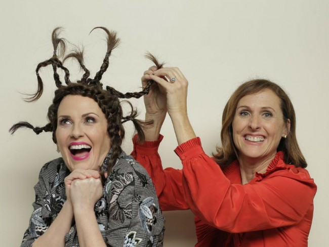 Megan Mullaly, who plays Karen Walker, and Molly Shannon, who guest starred as her repeated character, Val, on set of
